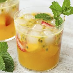 This light, but full-flavored sangria is reminiscent of the vacation of your dreams. The perfect drink for a summer evening whether you are in Honolulu, Noosa, Mal Pais or your backyard. Alcohol Drink Recipes, Sangria Recipes, Cocktail Recipes, Smoothie Recipes, Fruit Drinks, Fruit Snacks, Beverages, Summer Drinks, Cocktail Drinks