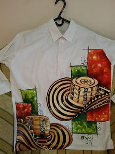 Camisa en lino pintada a mano por Matty Juliao Dress Painting, Fabric Painting, Painted Hats, Art Girl, Hand Embroidery, Craft Projects, Crafts, Handmade, Shirts