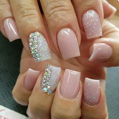 The advantage of the gel is that it allows you to enjoy your French manicure for a long time. There are four different ways to make a French manicure on gel nails. Aycrlic Nails, Get Nails, Love Nails, Pink Nails, Nail Nail, Acrylic Nail Designs, Nail Art Designs, Fingernail Designs, Short Nails Art