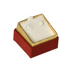 "Noble Gift Packaging's ""Riviera"" jewellery boxes are a distinguished collection of two-piece boxes wrapped in high quality burgundy leather-look paper. They are two-tone jewellery boxes, with gold foil bases and burgundy lids; the lids have a decorative accent of gold tooling around the top edges."