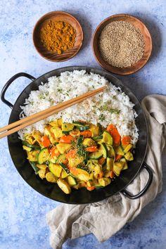 Curry Geschnetzeltes Paella, Bon Appetit, Pasta Salad, Ethnic Recipes, Food, Recipes With Rice, Kid Cooking, Crab Pasta Salad, Essen