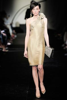 Armani Privé Fall 2009 Couture Fashion Show - Snejana Onopka