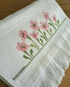 flowers Cross-stitch towels / etamine / crossstitch towels / punto de cruz toalla To order; Just Cross Stitch, Cross Stitch Borders, Cross Stitch Flowers, Cross Stitch Charts, Cross Stitch Designs, Cross Stitch Kits, Cross Stitching, Cross Stitch Patterns, Diy Embroidery
