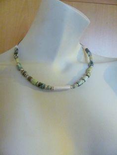 UPCYCLING Halskette Papierperlem - Necklace Paperbeads - einfach - schlicht - handmade - grün/beige von brisartbri auf Etsy