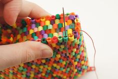 Kandi Patterns, Hama Beads Patterns, Beading Patterns, Beaded Purses, Beaded Bags, Hama Beads Jewelry, Bead Loom Designs, Diy Perler Beads, Diy Purse