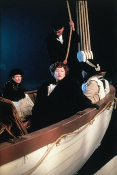 20 ans de Titanic : Kathy Bates alias Molly Brown à 48 ans Titanic Rose, Film Titanic, Real Titanic, Titanic History, 90s Movies, Series Movies, Good Movies, Movie Tv, James Cameron