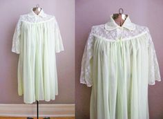 1950s Robe Vintage 50s Lingerie Negligee Peignoir Lime Green Chiffon White Lace / Small by SoubretteVintage on Etsy