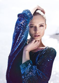 Image about girl in fashionista by imnaturallyshy Blue Fashion, High Fashion, Womens Fashion, Glamour, Mode Editorials, Sequin Sweater, Sequin Dress, Pulls, Editorial Fashion