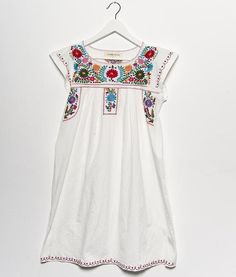 Embriodery Dress. This is soo cute for the beach