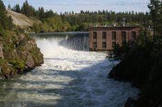 Spokane's Nine Mile Falls Dam - courtesy 'dwalsh'