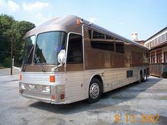 Custom Eagle Prevost Bus, Cool Rvs, Luxury Bus, Bus Conversion, Rv For Sale, Silver Eagles, Busses, Motorhome, Cars And Motorcycles