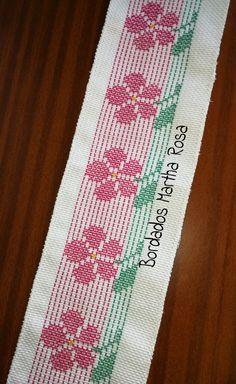 Vagonite. Puntada Cebada. Swedish Embroidery, Towel Embroidery, Hand Embroidery Design Patterns, Swedish Weaving, Cross Stitch Bookmarks, Pink Bird, Bargello, Pattern Design, Diy And Crafts