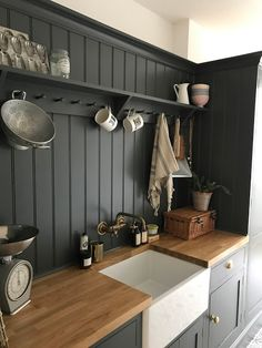 The Secrets Of Small Kitchen Design Cottage Kitchens, Home Kitchens, New Kitchen, Kitchen Decor, Small Kitchen Diner, Cheap Kitchen, Awesome Kitchen, Kitchen Chairs, Kitchen Ideas