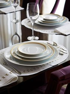 Top Interior Designers Taylor Howes – One Kensington Gardens Interior Design London, Top Interior Designers, Luxury Interior Design, Taylor Howes, Beautiful Table Settings, Elegant Dining, Dining Room Lighting, Fine Dining, Dining Tables