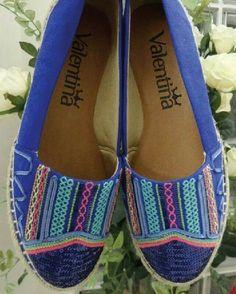 #regram @mix.calcados com alpargata bordado top!   #ValentinaFlats #shoes #work #relax #fashion #loveit #love #loveshoes #color #shoeslover #flat #summer #ootd #colorful #alpargata