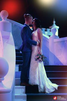Desiree & Bart - De website van daanroepmanfoto! One Shoulder Wedding Dress, Website, Wedding Dresses, Fashion, Bride Dresses, Moda, Bridal Gowns, Fashion Styles, Weeding Dresses