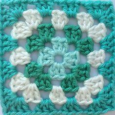 Happy #grannysquareday2015 !!! This is square number two! Enjoy the weekend! 💧🌿💧 #grannysquareday #grannysquares #crochet #gehaaktevierkanten #haken