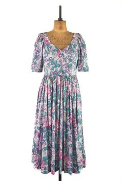 Butterflies & Roses by Laura Ashley | Cotton Summer Dress from Margot & Hesse | Timeless vintage at www.margotandhesse.co.uk