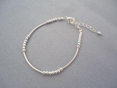 Bracelets perles, Bracelet fin argenté avec des perles et un tube - est une création orginale de ValerieF sur DaWanda