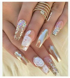 12 unique trending nail art designs for Hot nail right nail now in fashion. Stiletto nails, rainbow almond nails, Ombre rounded nail art designs for summer. Fabulous Nails, Gorgeous Nails, Pretty Nails, Nice Nails, Perfect Nails, Hot Nails, Hair And Nails, Crome Nails, Acrylic Nail Art