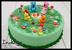Google Image Result for http://www.indulgecakes.co.za/images/childrenscakes/large/indulge-cake-teddy-picnic.jpg