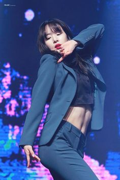 "Netizens are in love with Cosmic Girls member Seola's toned, ""number eleven-shaped"" abs!Particularly, many pointed out that Seola kills … Girl Abs, My Girl, Kpop Girl Groups, Kpop Girls, Korean Girl, Asian Girl, Fiesta Outfit, Abs Women, Toned Abs"