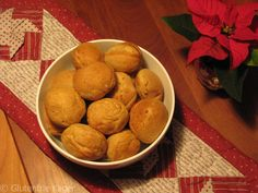 Gluten- og laktosefrie æbleskiver med smag af vanilje og kardemomme.