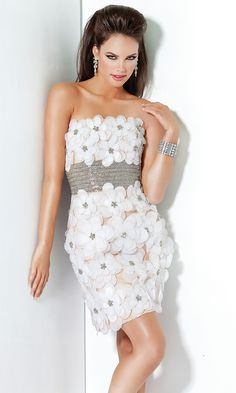 SO ENCHANTING..  .MAGNOLIA FLORAL APPLIQUE DRESS BY XOXO
