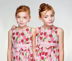 NATIONAL GEOGRAPHIC The Photographic Fascination with Twins The January 2012 issue of National Geographic magazine, on newsstands now, features fascinating photos of twins by Martin Schoeller.