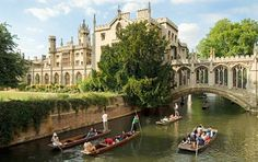 Cambridge England :: University of Cambridge :: St John's College & the Bridge of Sighs on the River Cam √ Places To Travel, Places To See, Places Ive Been, Battle Boats, Cambridge England, Cambridge United, Oxford England, St Johns College, Walking Tour