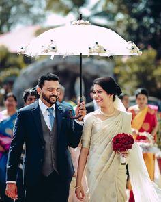 wedding saree and wedding saree indian Wedding bouquet + saree Christian Wedding Dress, Christian Bridal Saree, Christian Bride, Christian Weddings, Kerala Engagement Dress, Engagement Dresses, Saree Wedding, Wedding Gowns, Wedding Bouquet