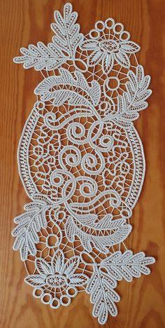 Crochet Art, Filet Crochet, Crochet Doilies, Crochet Patterns, Needle Tatting, Needle Lace, Romanian Lace, Pottery Handbuilding, Border Embroidery Designs