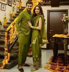 Maya Ali Stunning Pictures at her Brother's Mayun Ceremony Pakistani Party Wear Dresses, Bridal Mehndi Dresses, Pakistani Bridal Dresses, Wedding Dresses For Girls, Pakistani Dress Design, Indian Dresses, Indian Outfits, Indian Designer Suits, Pakistan Fashion