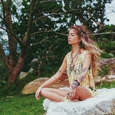 hippie girl images, image search, & inspiration to browse every day. Boho Chic, Style Hippie Chic, Gypsy Style, Hippie Boho, Bohemian Style, Bohemian Clothing, Hippie Chick, Boho Girl, Britt Nicole