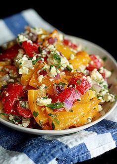 5 салатов на ужин: с печеными перцами и фетой, табуле, краснокачанная капуста с морковкой и сухофрутами