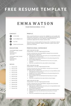 Free Simple Resume Templates - Finance tips, saving money, budgeting planner Basic Resume, Job Resume, Resume Tips, Visual Resume, Professional Resume Examples, Resume Template Examples, Resume Ideas, Cv Examples, Professional Development