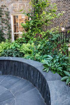 Enchanting Backyard Deck Ideas For Autumn To Try Asap Brick Pathway, Stone Path, Types Of Lawn, Russell Square, Slate Patio, Iron Staircase, Hidden Garden, Backyard Garden Design, Urban Farming