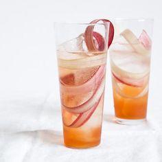 rhubarb fizz cocktail recipe | via: morris kitchen