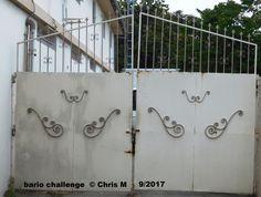 27 november 2017, poort naast meubelzaak op Winston Churchillweg niet ver van politie