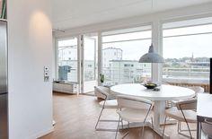 Scandinavian Design-Top Floor with a Garage in Stockholm
