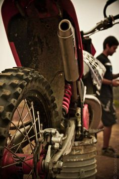 Goodness this dirt bike is clean compared to mine after a ride. :)