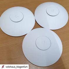 Ist es ein UFO? Nein... es ist #mehrpower #wlan #power #ap #Binfordt3000 #harhar #WiFi #ubiquiti #unifi #volxhausklagenfurt #klagenfurtamwörthersee #lifestream #weappu @webernig @finetranslate Klagenfurt, Ufo, Plates, Instagram, Tableware, Wi Fi, Licence Plates, Dishes, Dinnerware