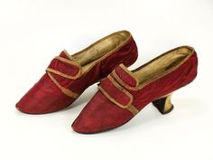 Pair of women's shoes, 1760-1780. Red silk, pink silk ribbon, white leather covered heel, pointed toe.