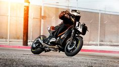2012-Yamaha-TMAX-Hyper-Modified-by-Roland-Sands-EU-NA-Action-004    Featured on ScooterFile.com
