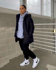 Fall Clothes, Fall Outfits, Rain Jacket, Windbreaker, Ootd, Jackets, Fashion, Down Jackets, Moda