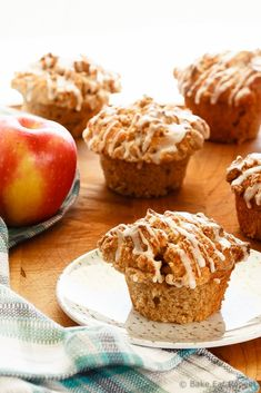 * Cinnamon Crumb Topping - Quick and easy apple muffins filled with apples and finished with a crunchy cinnamon crumb topping. The best kind of breakfast. Best Apple Recipes, Sweet Recipes, Favorite Recipes, Muffin Recipes, Baking Recipes, Dessert Recipes, Baking Ideas, Bread Recipes, Apple Desserts