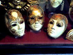Resultados de la Búsqueda de imágenes de Google de http://www.esacademic.com/pictures/eswiki/77/Mascaras_carnaval.jpg