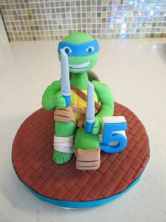This is a tutorial that will teach you how to make a teenage mutant ninja turtle cake topper that would be perfect for a boys birthday cake. Monster High Birthday, Monster High Party, Ninja Turtle Birthday, Ninja Turtle Party, Ninja Turtles, Frozen Party Games, Slumber Party Games, Carnival Birthday Parties, Birthday Party Games