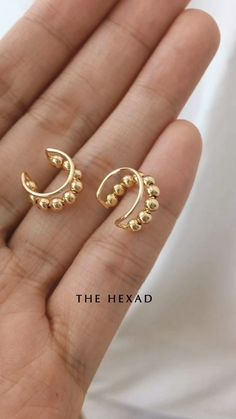 Cute beaded ear cuffs - The Best Piercing Constellation IDeas & Images Gold Rings Jewelry, Ear Jewelry, Cute Jewelry, Pandora Jewelry, Jewelry Accessories, Jewelry Design, Women Jewelry, Fashion Jewelry, Jewelry Making