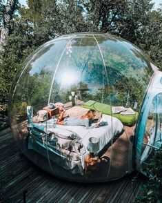 Would you try sleeping in a bubble? Attrap' Reves, Allauch, France 🇫🇷 Photo by ❇️ Good Vibes Shot ❇️ How To Transform Yourself: Into A Constant Goal-Setter And Positive Habit Maker In Order. Sleepover Room, Fun Sleepover Ideas, Summer Goals, Summer Fun, Bubble Tent, Bubble House, Dream Dates, Cute Date Ideas, Trampolines